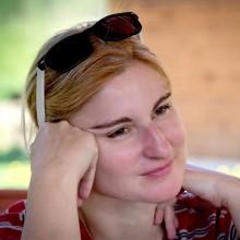 Dr. Laura Suiu